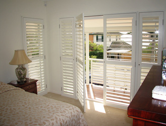 Plantation Shutter Hinged 1