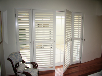 Plantation Shutter Hinged 2